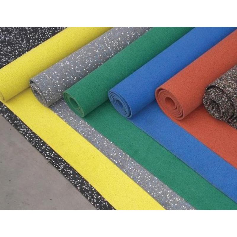 Рулонное резиновое покрытие толщиной 6 мм.